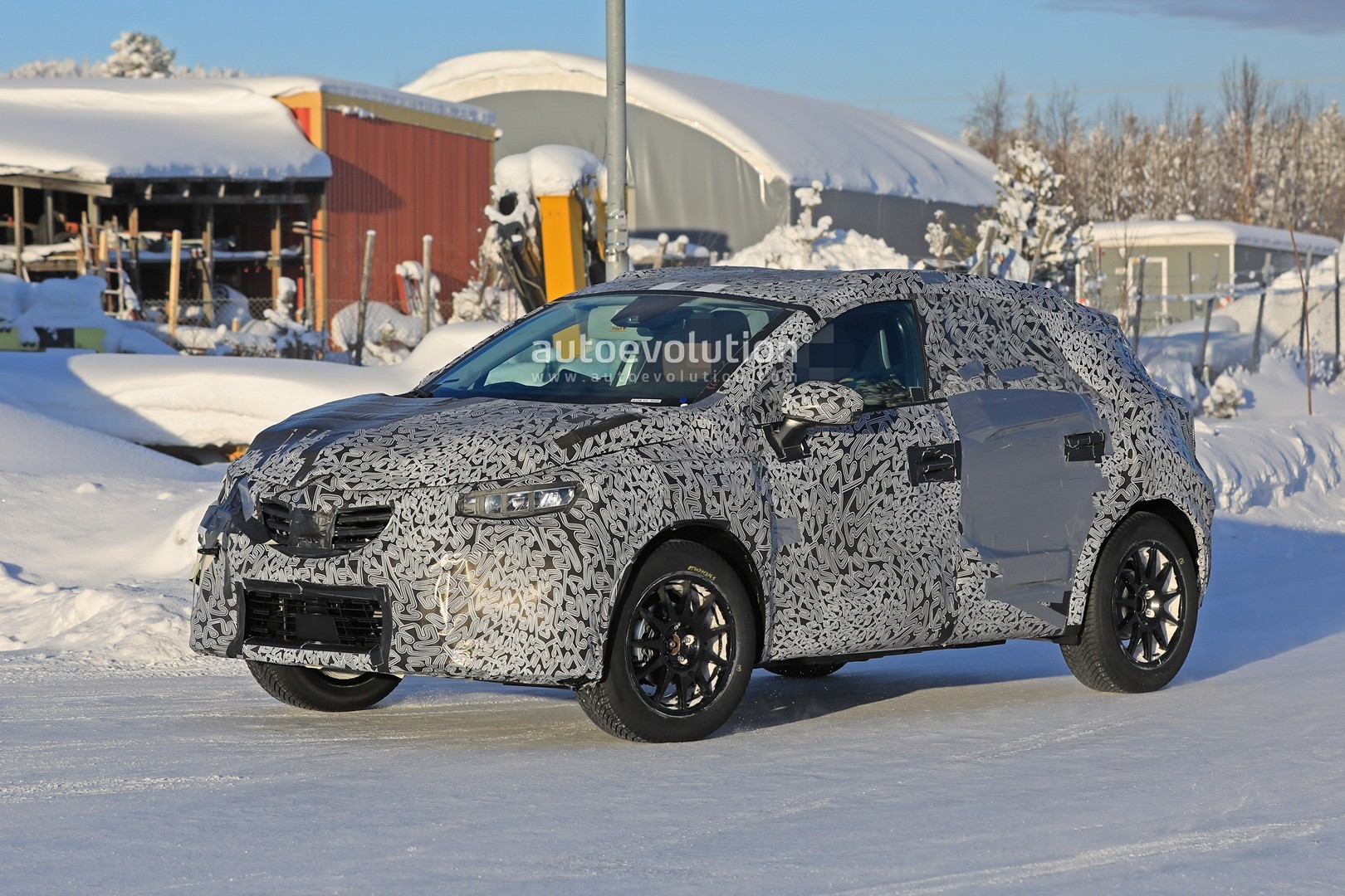 2019 - [Renault]  Captur II [HJB]  - Page 20 2020-renault-captur-spied-undergoing-winter-tests-looks-more-advanced_4