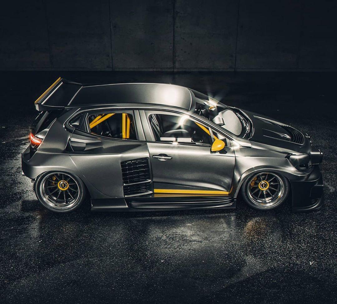 Renault Clio V6 Engine: Renault Showcases New Formula One Engine