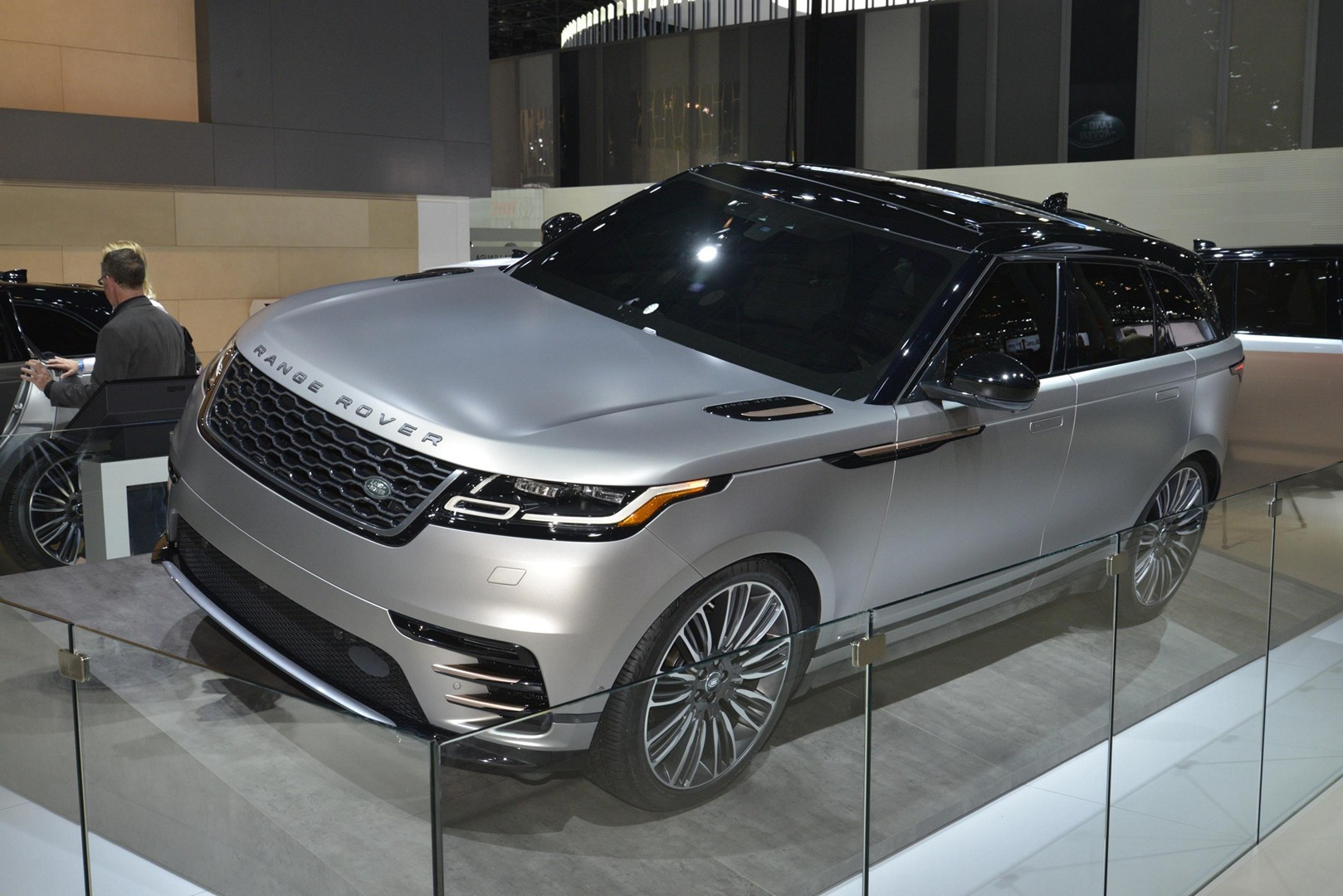 2020 road rover ev crossover and next jaguar xj to share platform autoevolution. Black Bedroom Furniture Sets. Home Design Ideas