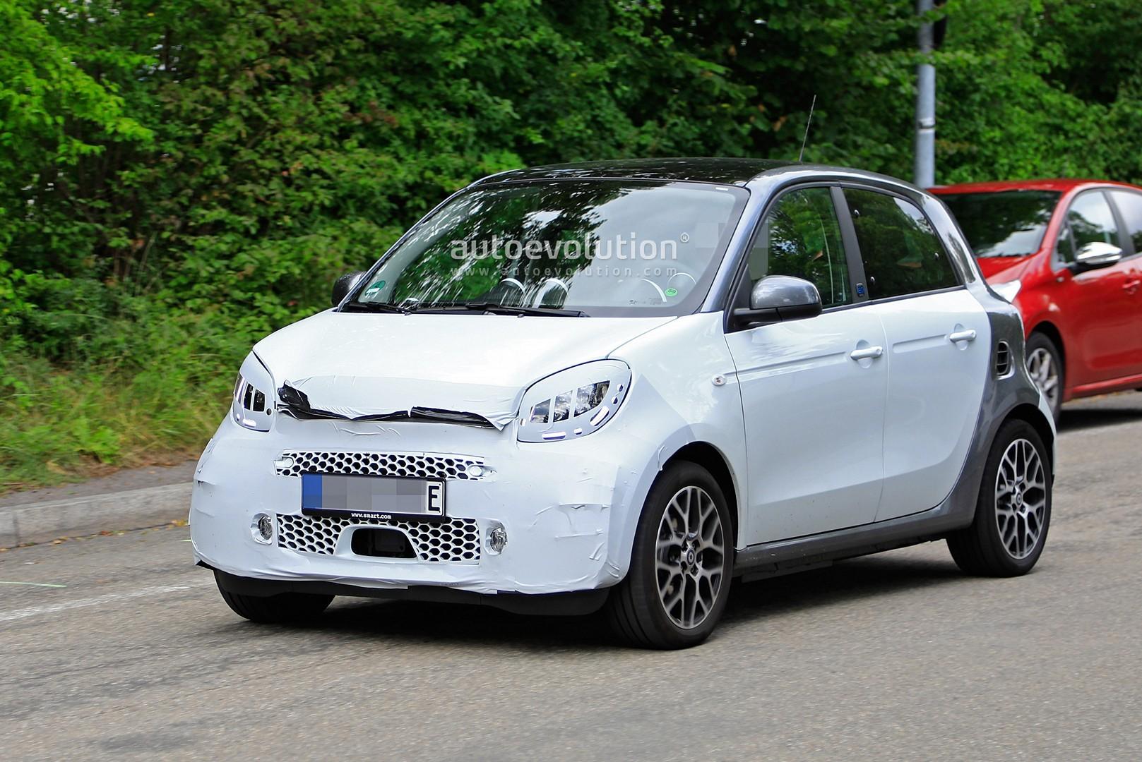 Smart Fortwo Gets Hello Kitty Car Wrap Designs Autoevolution
