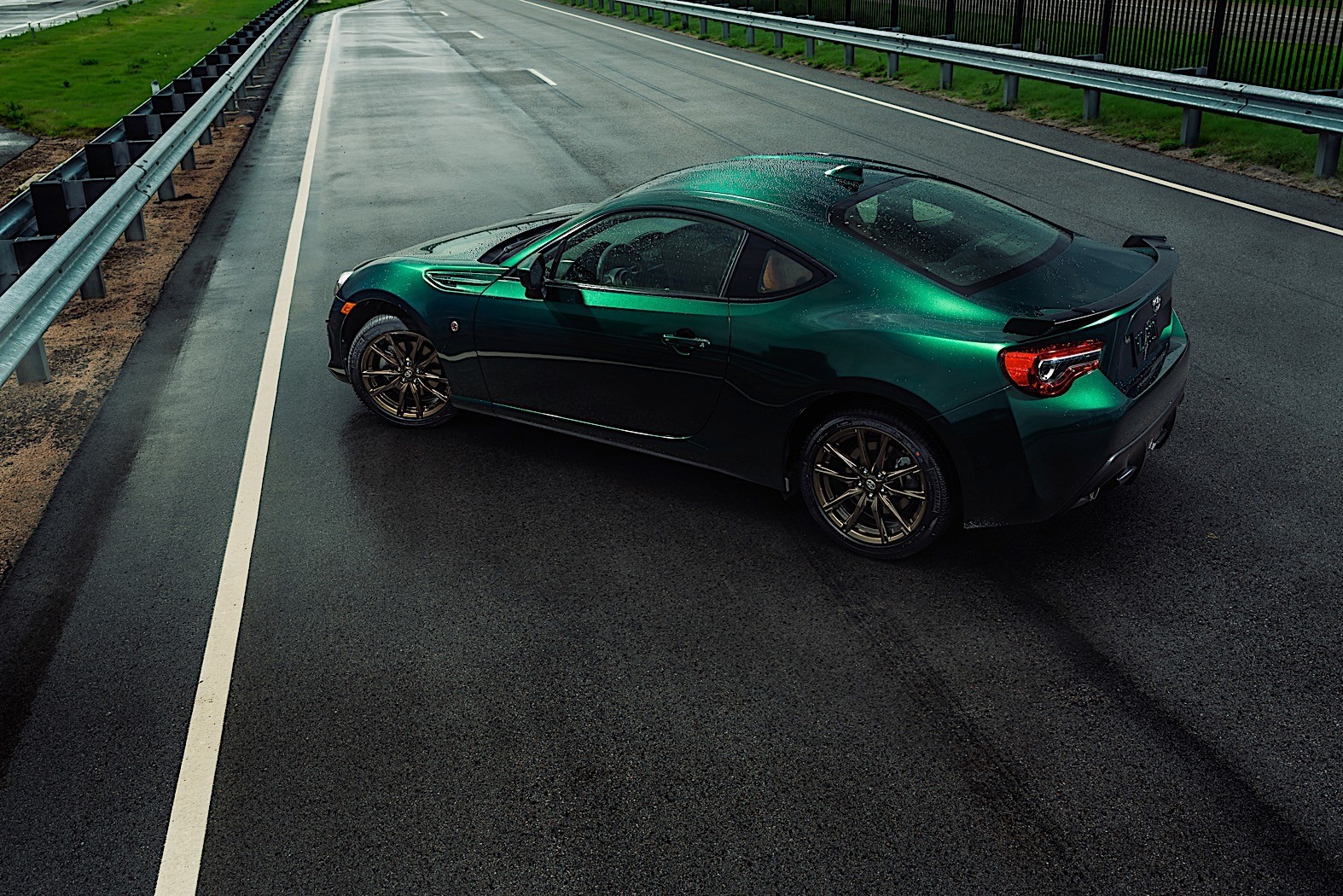 2020 toyota 86 hakone edition pays tribute to a turnpike