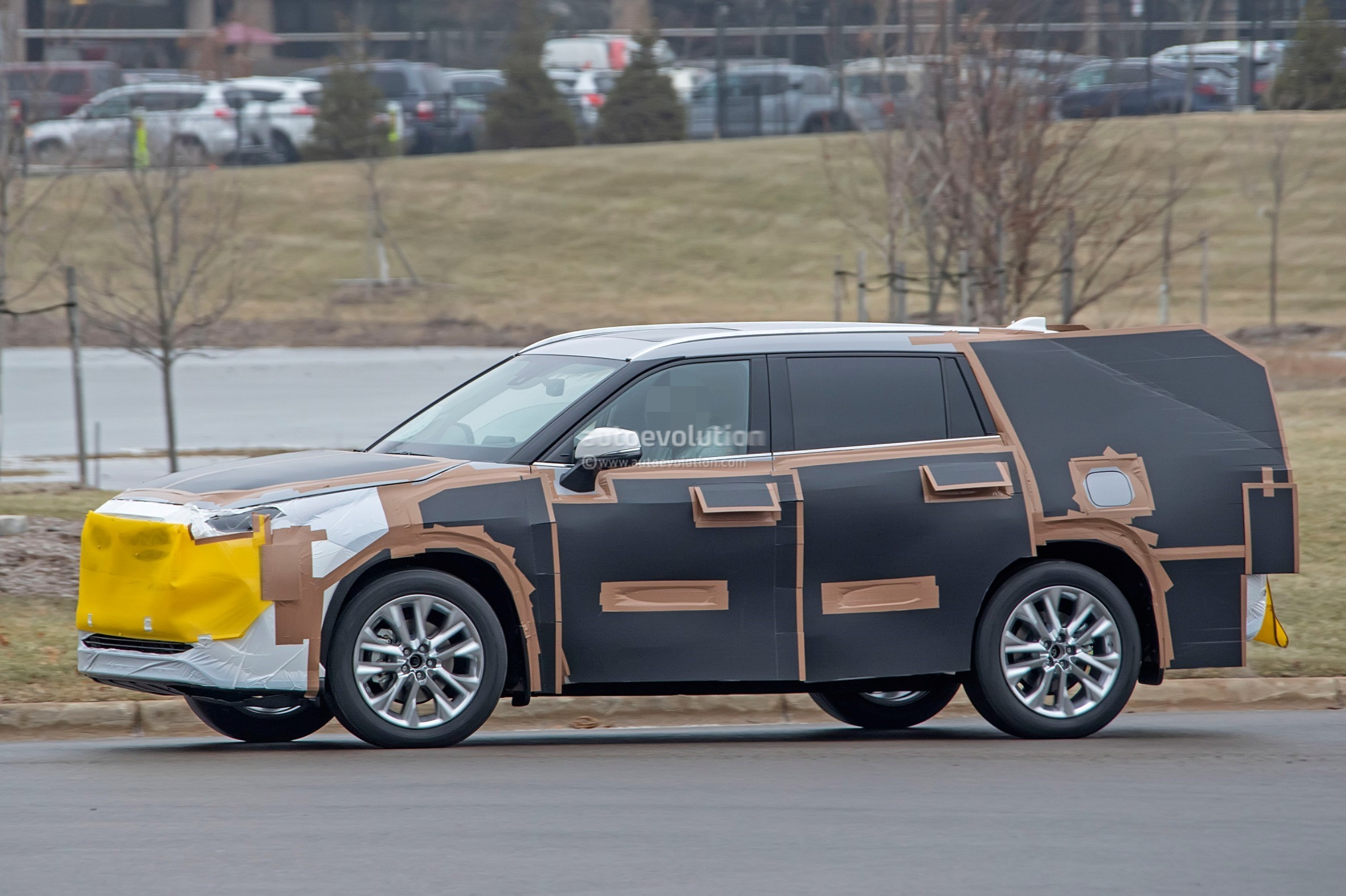 Toyota Highlander Spied Features Rav Inspired Front Grille on Toyota Camry Black