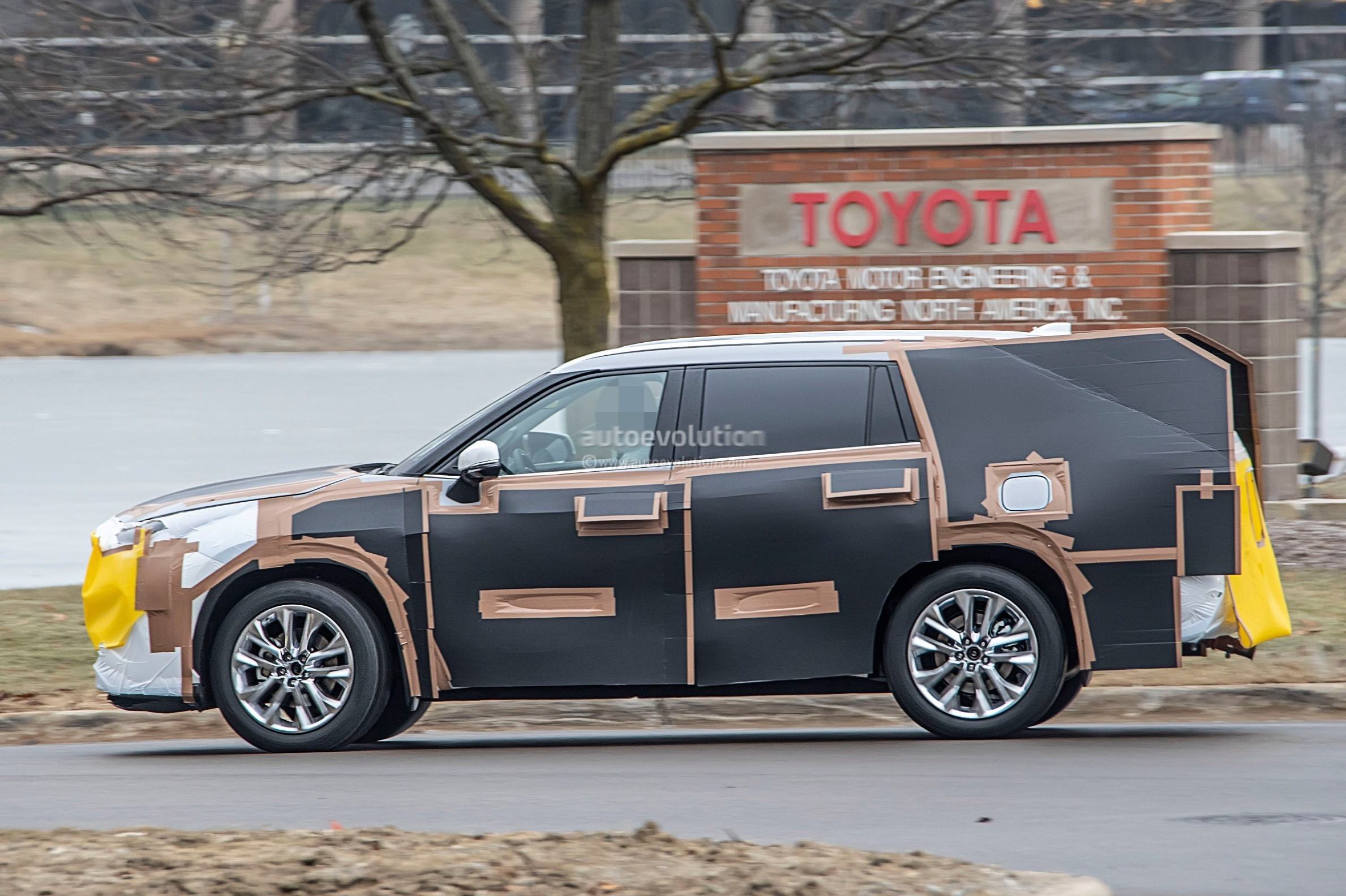 New Supra Price >> 2020 Toyota Highlander Spied, Features RAV4-inspired Front Grille - autoevolution
