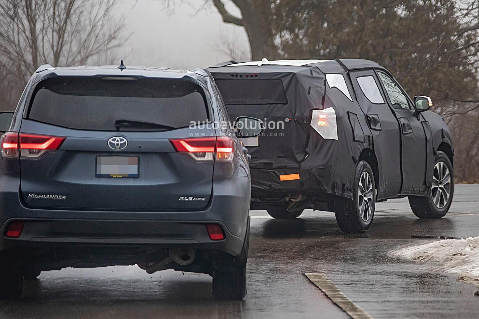 2020 Toyota Highlander Spyshots Reveal More of the RAV4 ...