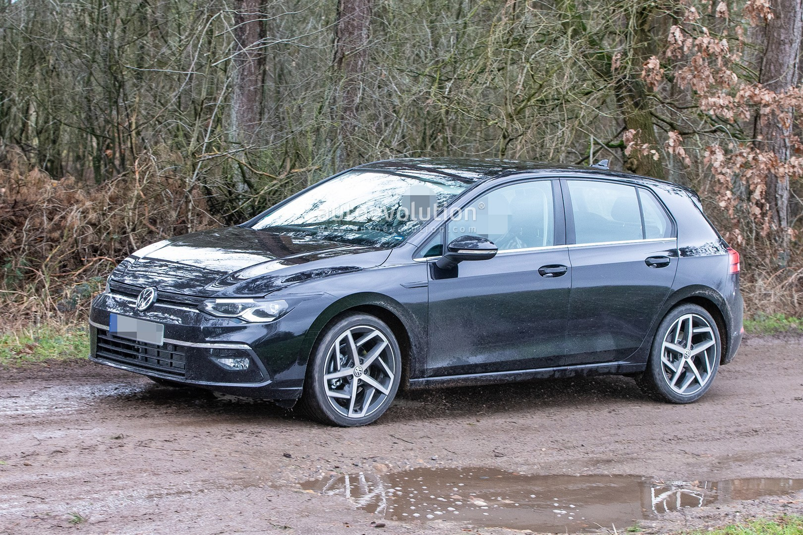 2020 Volkswagen Golf 8 Spied Virtually Undisguised ...