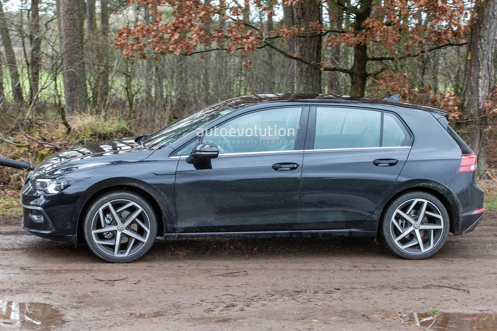 Golf Pictures: 2020 Volkswagen Golf 8 Spied Virtually Undisguised