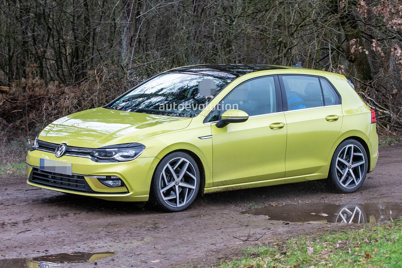 2020 volkswagen golf 8 spied virtually undisguised. Black Bedroom Furniture Sets. Home Design Ideas