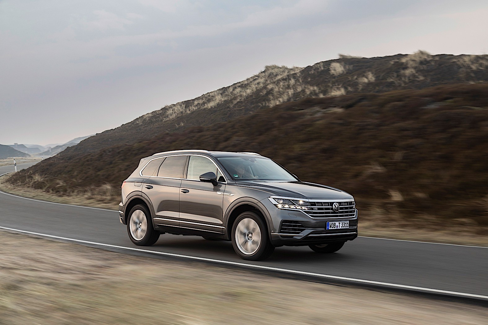 2020 volkswagen touareg gets top of the range v8 tdi starts at 89 825 autoevolution 2020 volkswagen touareg gets top of the