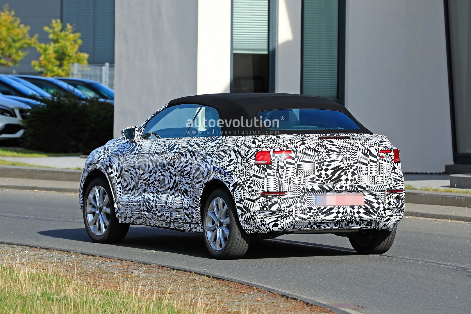 2020 VW T-Roc Convertible Spied Testing for the First Time - autoevolution