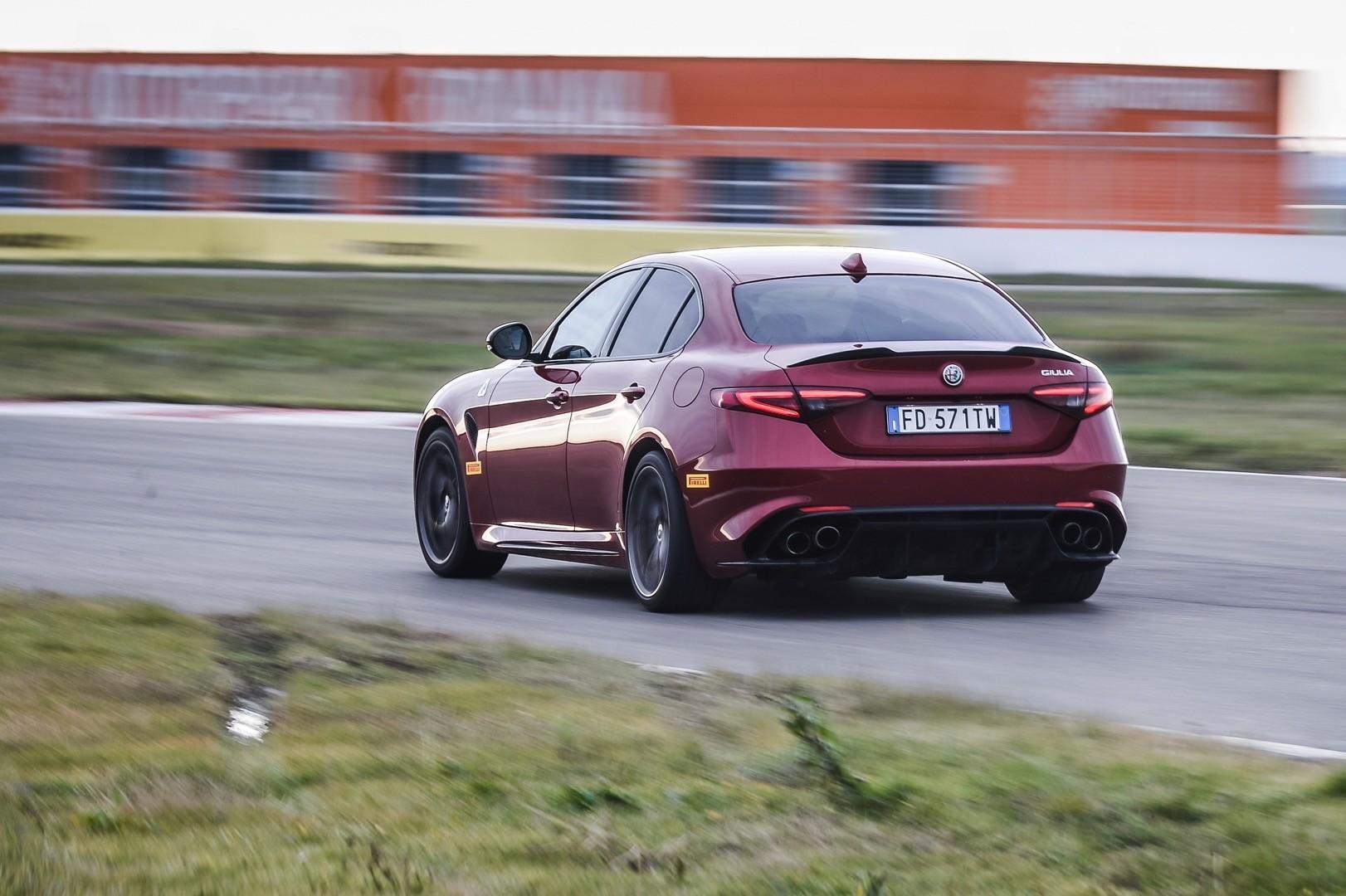 2021 Alfa Romeo Giulia GTA Rumored With 620 HP - autoevolution