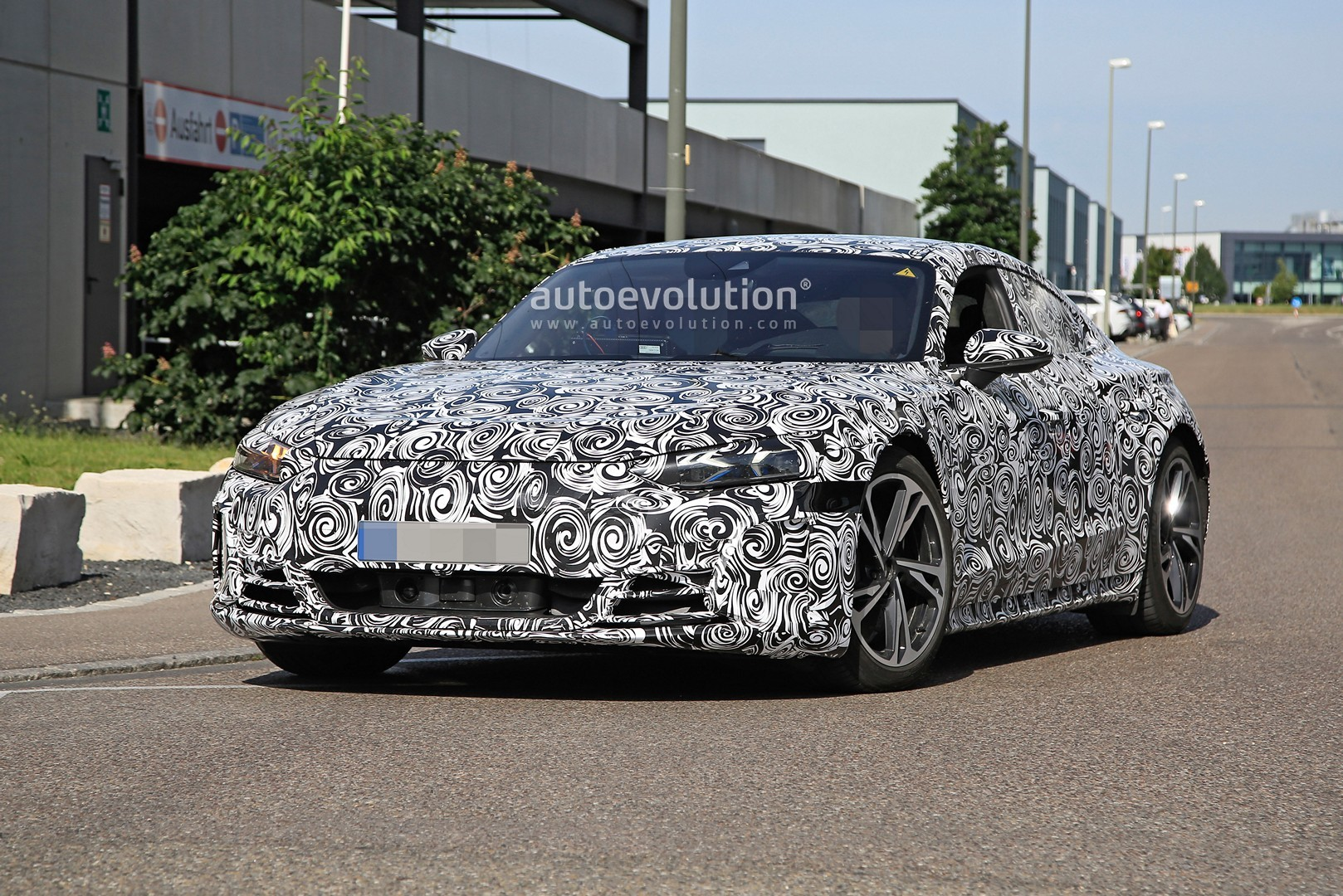 2021-audi-​e-tron-gt-​spotted-10​0000-ev-ge​tting-read​y-for-prod​uction_2