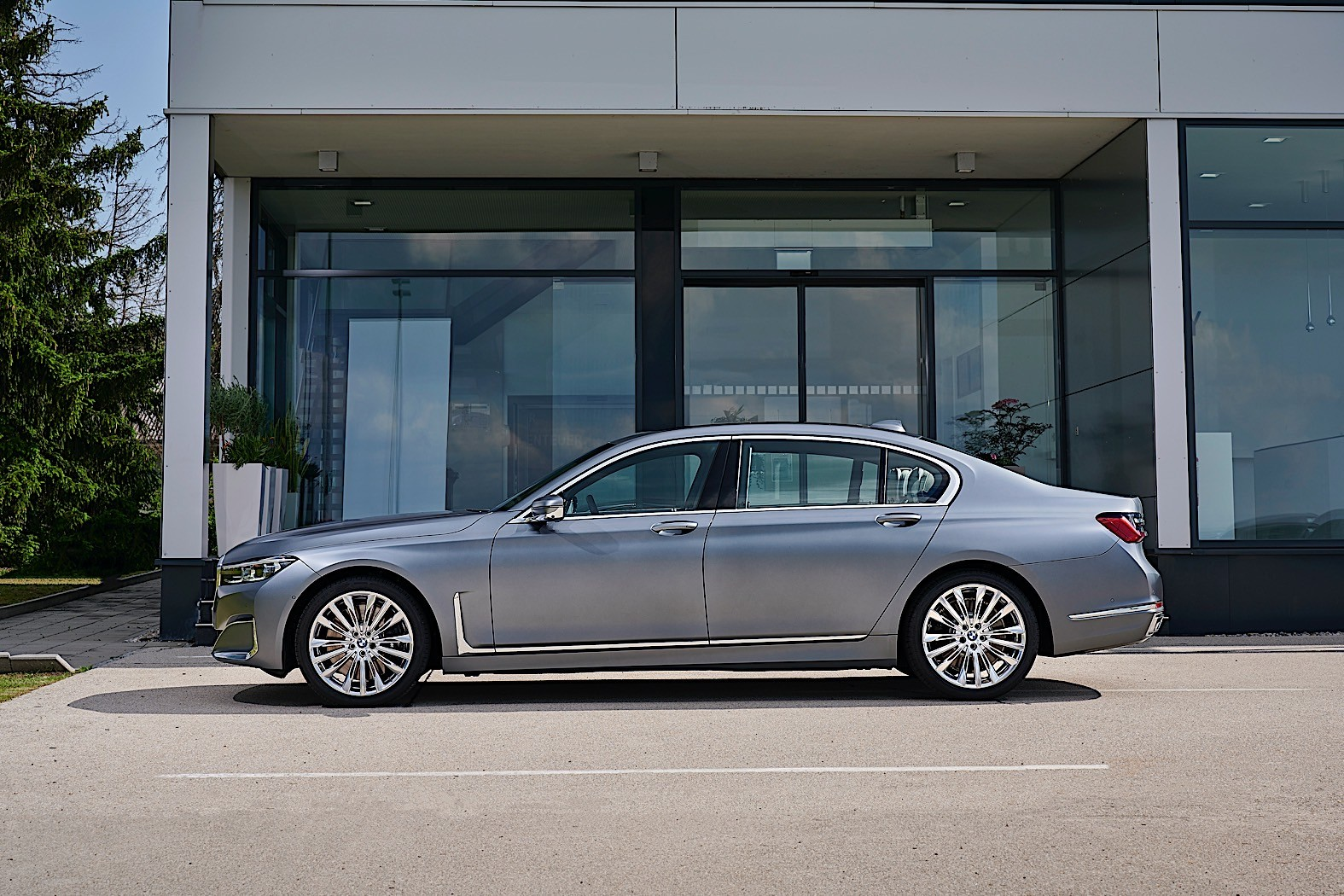 2021 BMW 7 Series Gets New Diesel Options with Mild Hybrid ...