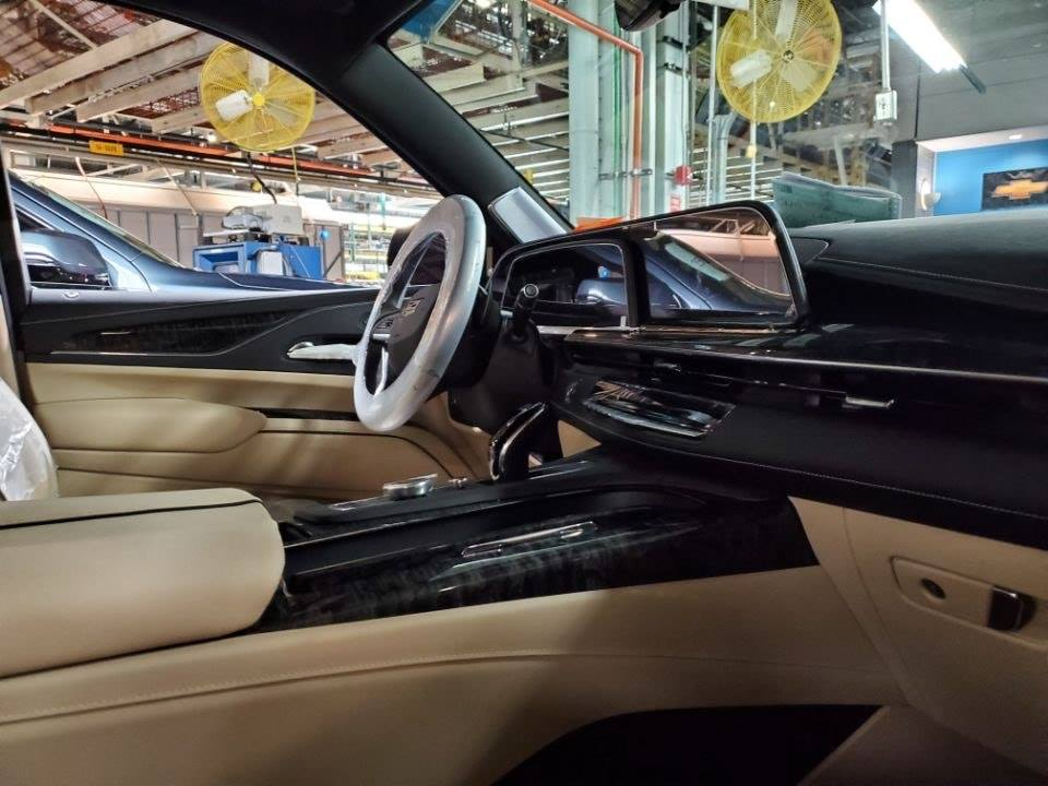 2021 cadillac escalade interior design teased features 38