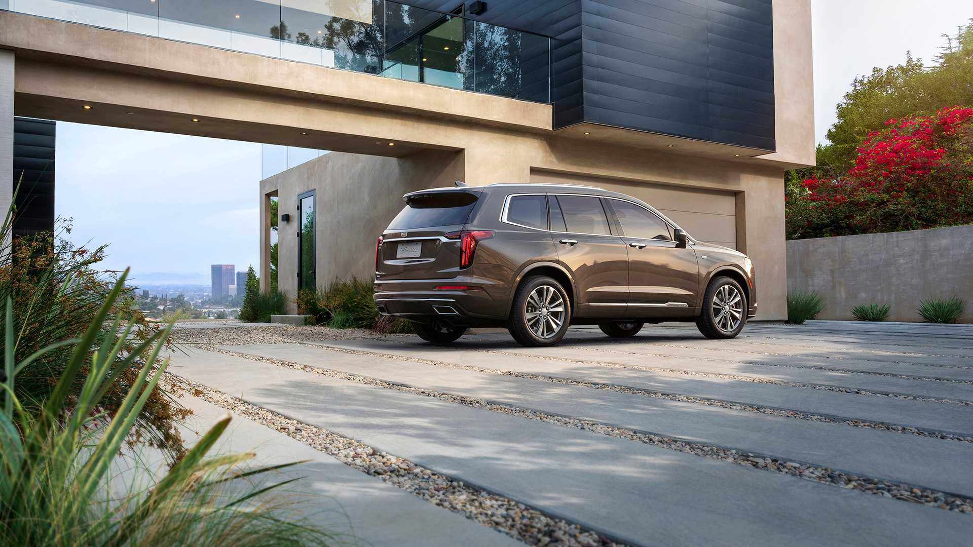 2021 Cadillac XT6 Gets the 2.0L Turbo That Chevy ...
