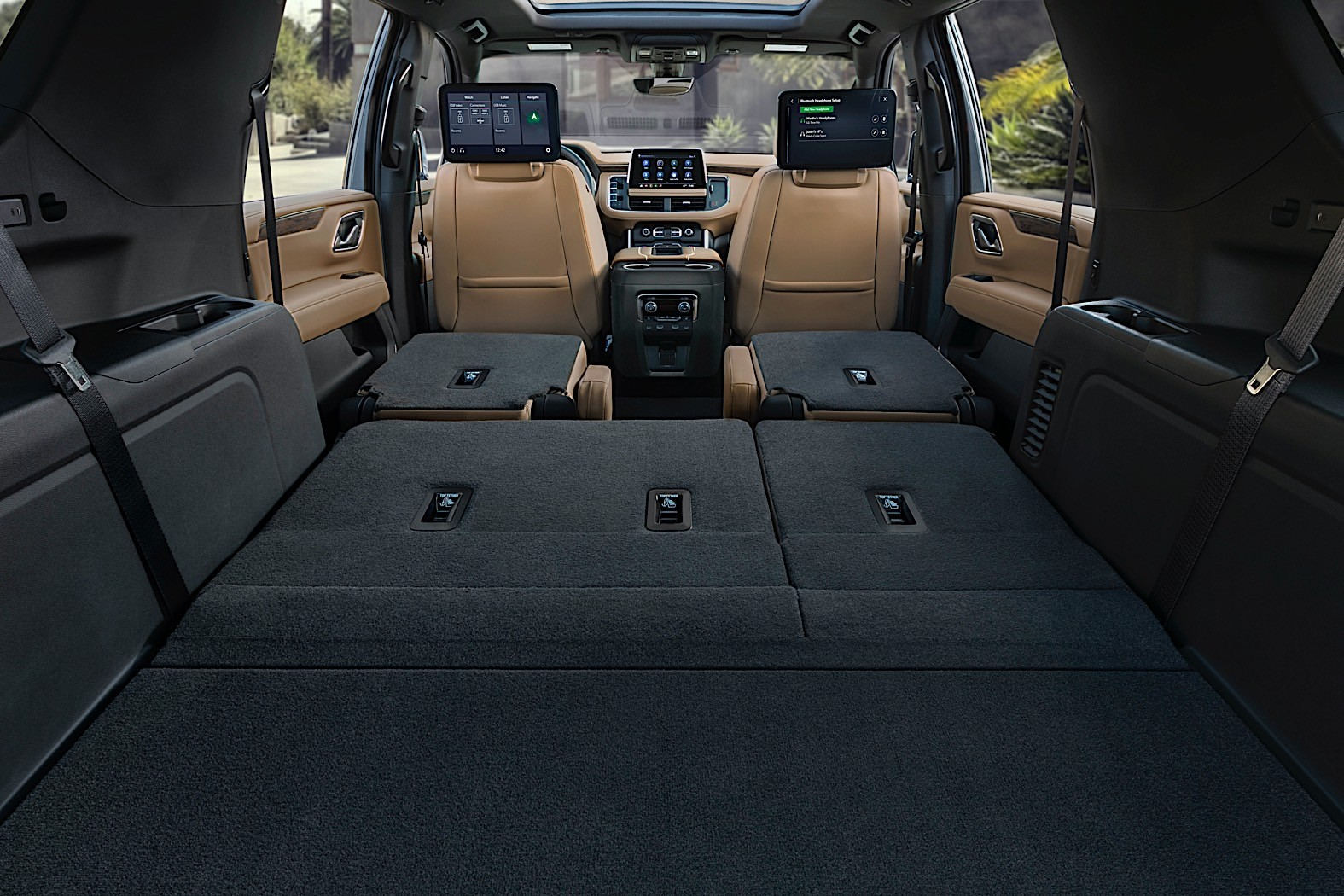 2021 Chevrolet Suburban Costs $2,700 More Than the Tahoe ...