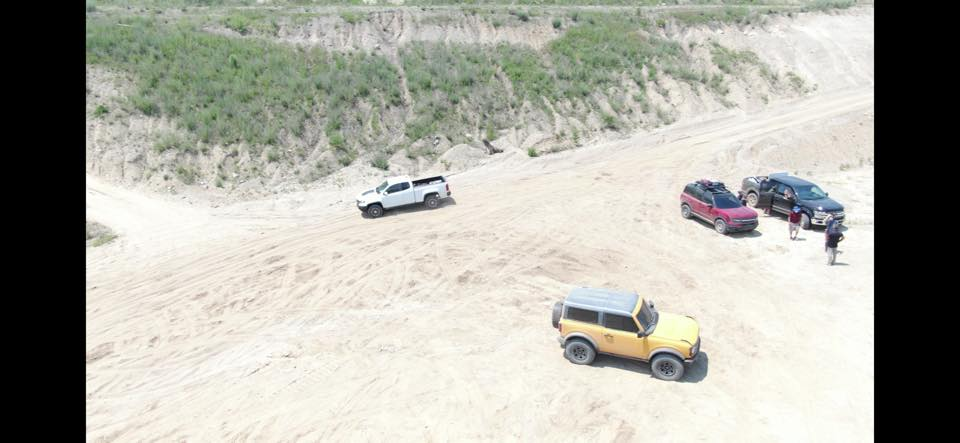 2020 - [Ford] Bronco VI - Page 3 2021-ford-bronco-2d-and-bronco-sport-badlands-apparently-spied-uncamouflaged_1