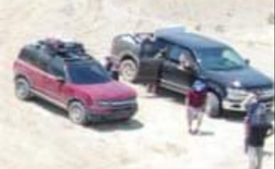 2020 - [Ford] Bronco Sport - Page 3 2021-ford-bronco-2d-and-bronco-sport-badlands-apparently-spied-uncamouflaged_4