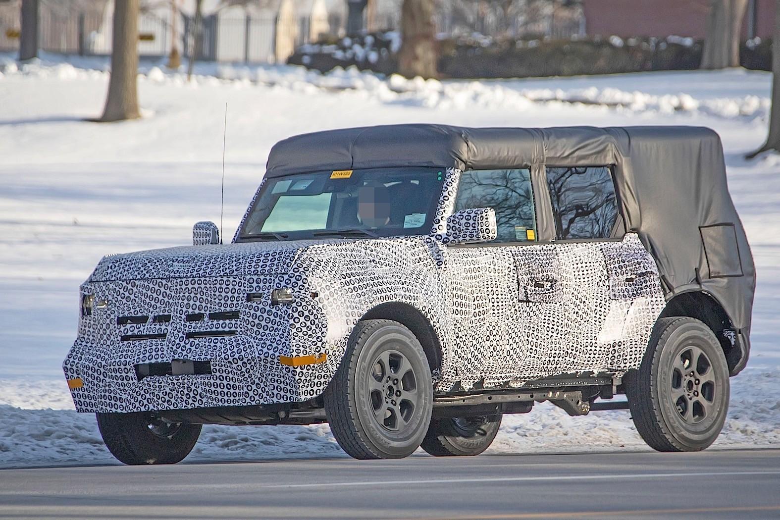 2021 Ford Bronco 5-Door Convertible Prototype Shows