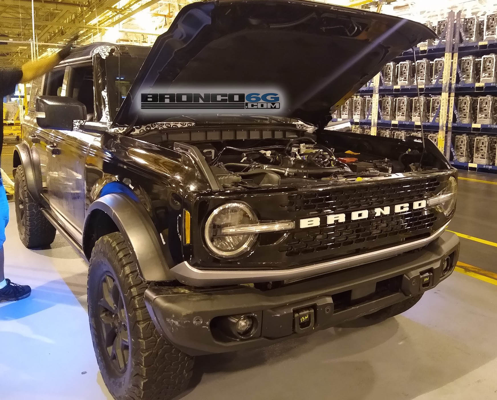 2021 ford bronco badlands looks stealthy in preproduction