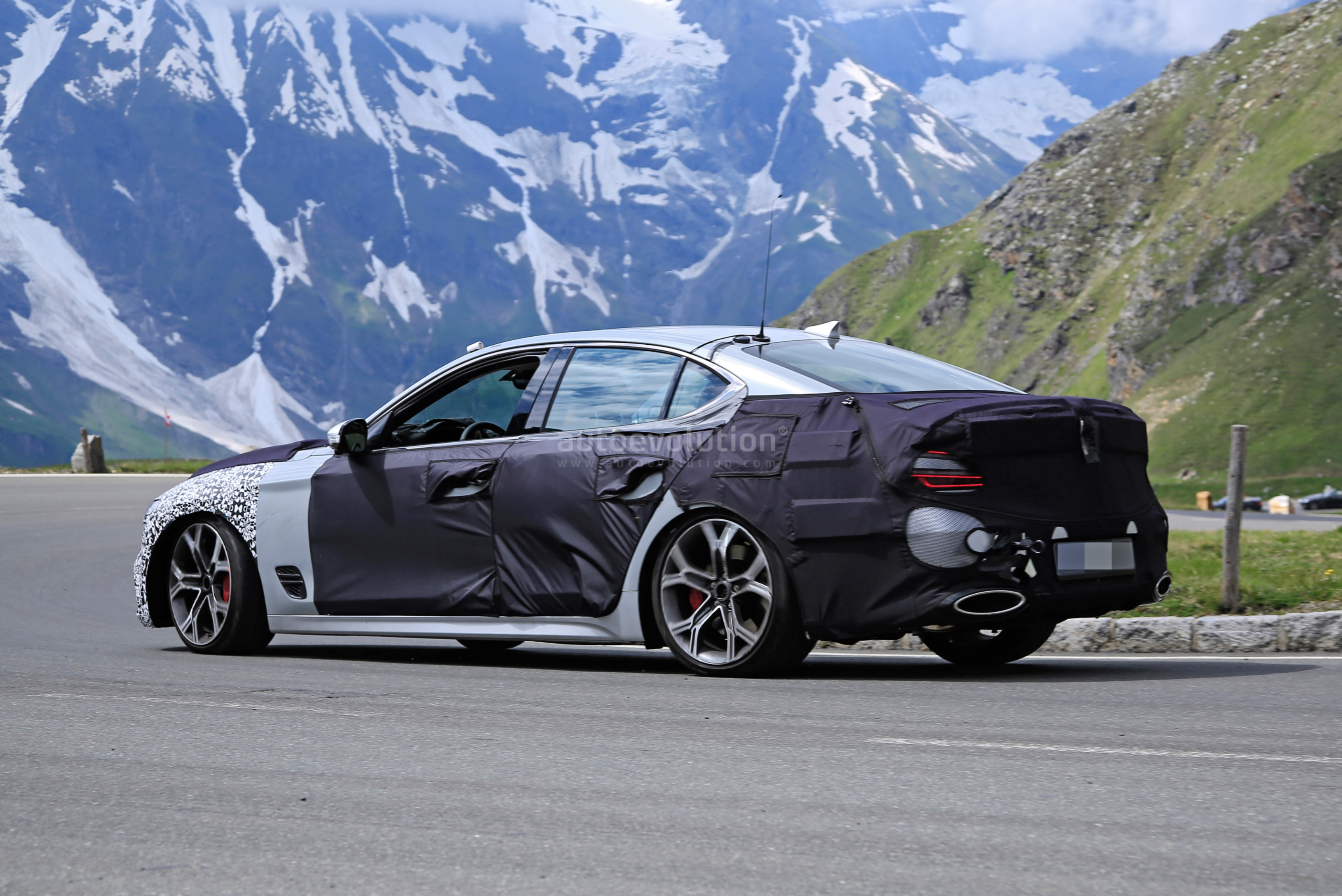 2021 Genesis G70 Facelift Photographed With Kia Stinger ...