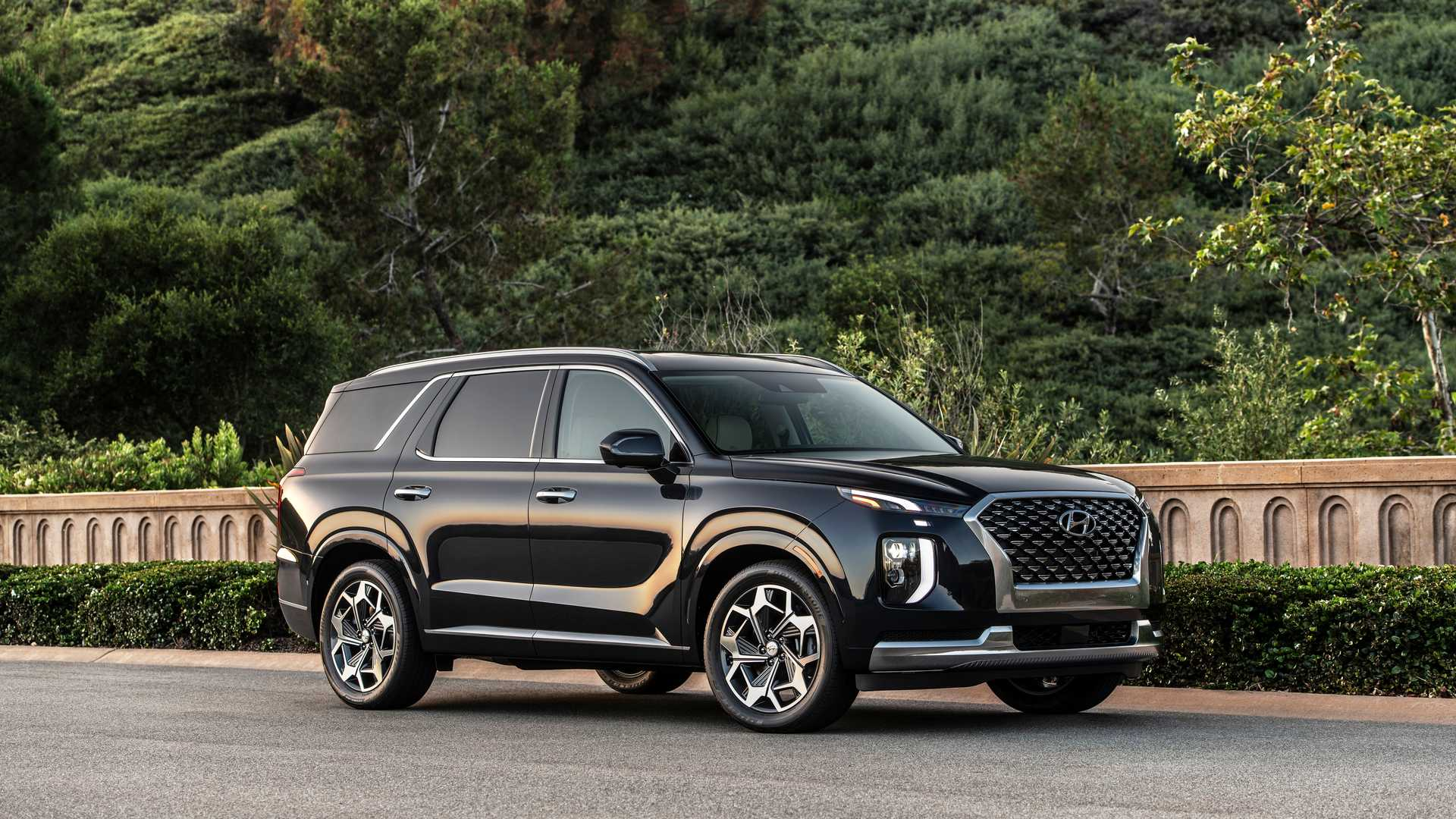 2021 hyundai palisade goes back to school learns