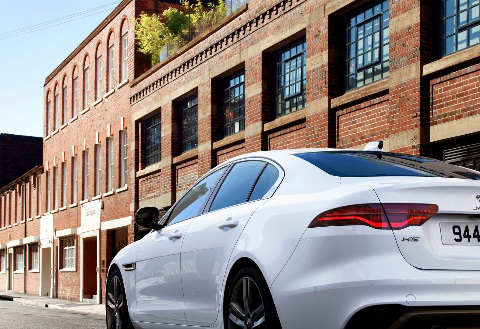 2021 Jaguar XE Gets Pivi Pro and MHEV Diesel, Just Like ...