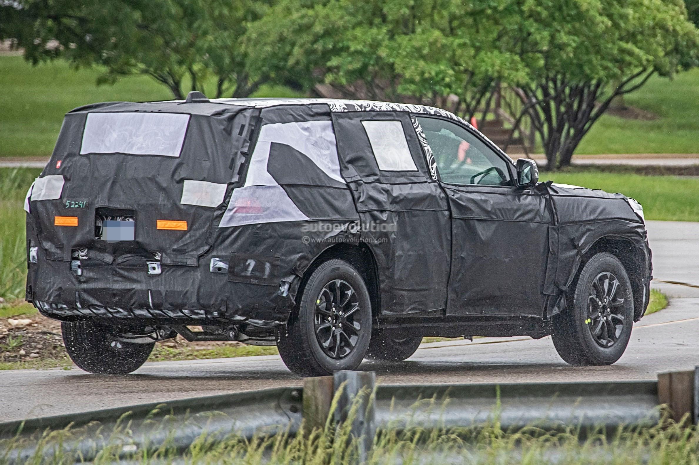 Jeep Grand Wagoneer 2018 >> 2021 Jeep Grand Cherokee (WL) Spied, Likely Rides On Alfa Romeo Giorgio Platform - autoevolution