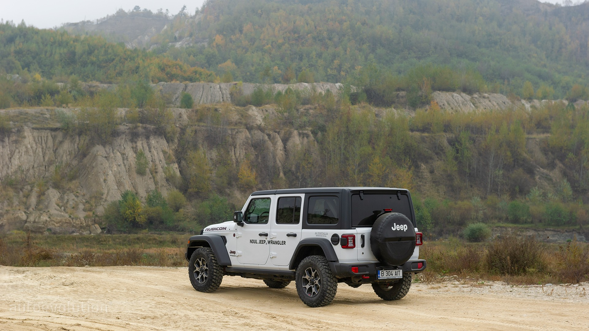 "2021 jeep wrangler features more standard equipment ""4xe"