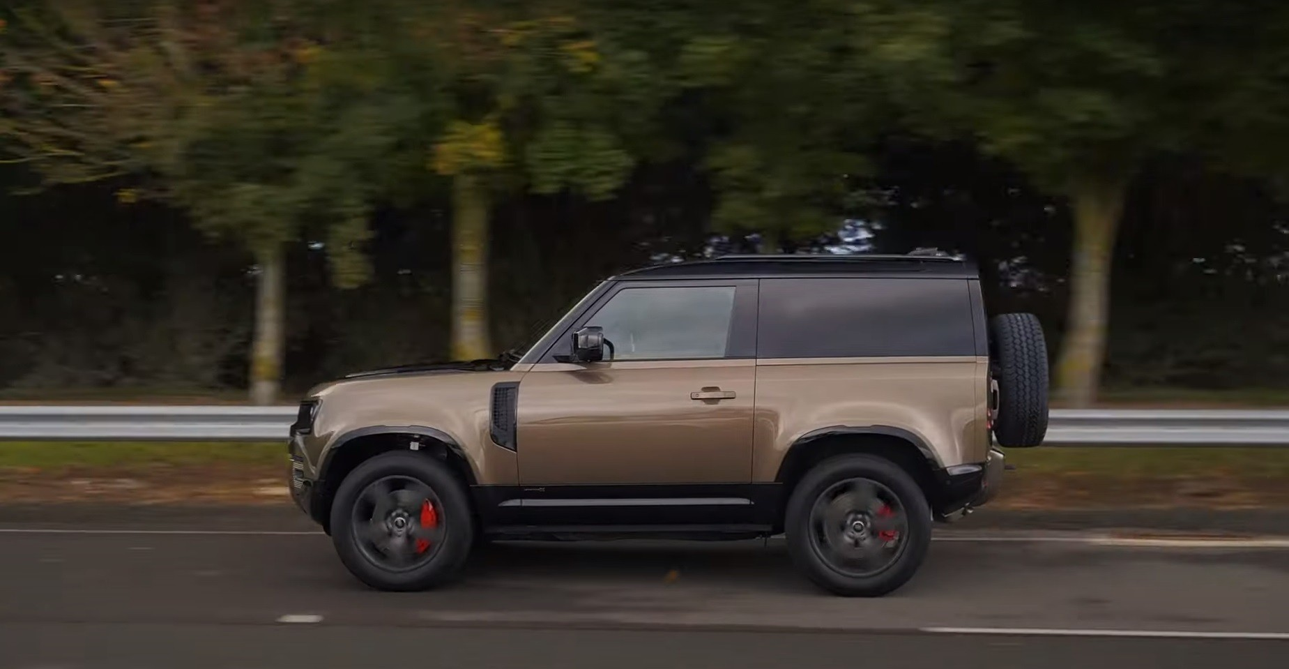 2021 Land Rover Defender 90 First Reviews Are in and, in ...