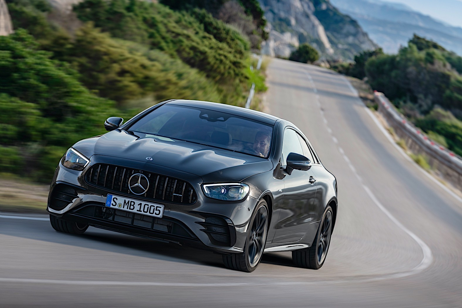 2021 Mercedes-AMG E 53 Coupe and Cabrio Get a New Face ...