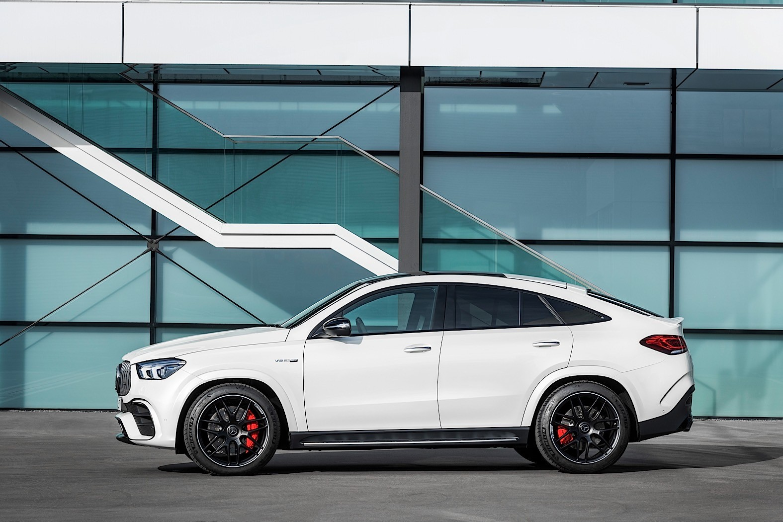 2021 Mercedes Amg Gle 63 S Is The World S Fastest Egg On Wheels Autoevolution