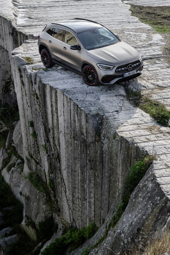 Mercedes-Benz GLA Crossover/SUV To Be Manufactured In