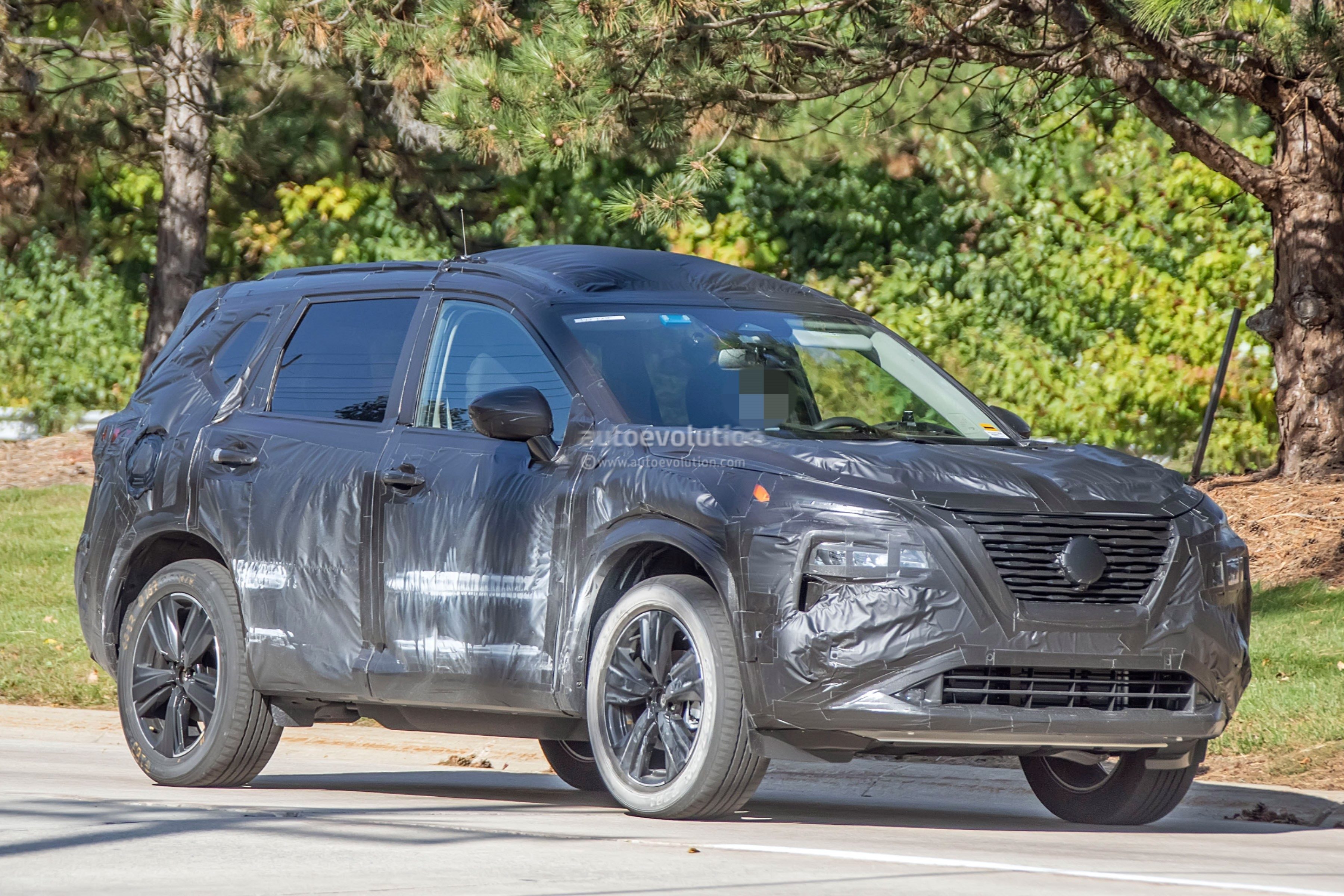 2021 nissan rogue xtrail spied inside  out juke