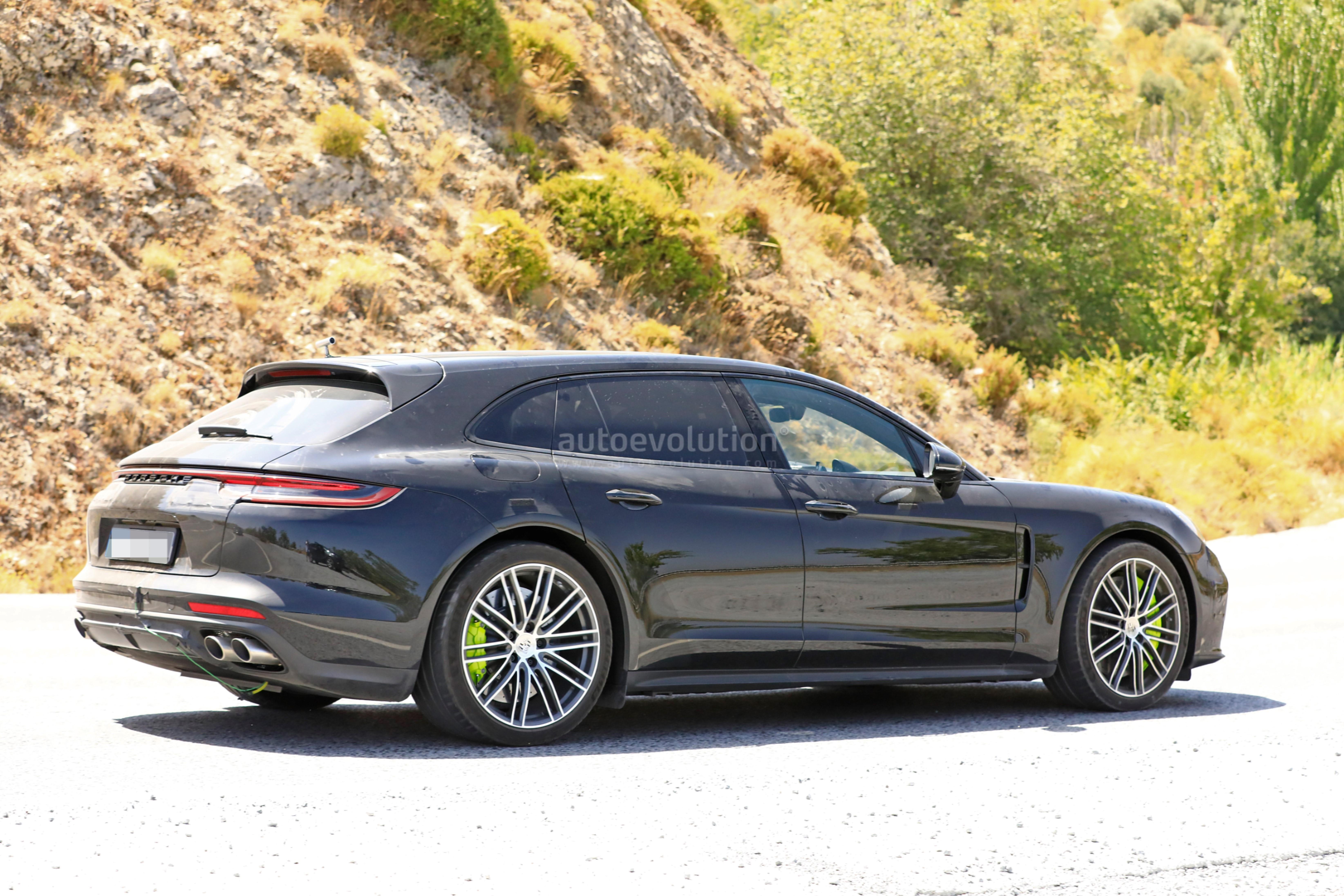 2021 Porsche Panamera New Review