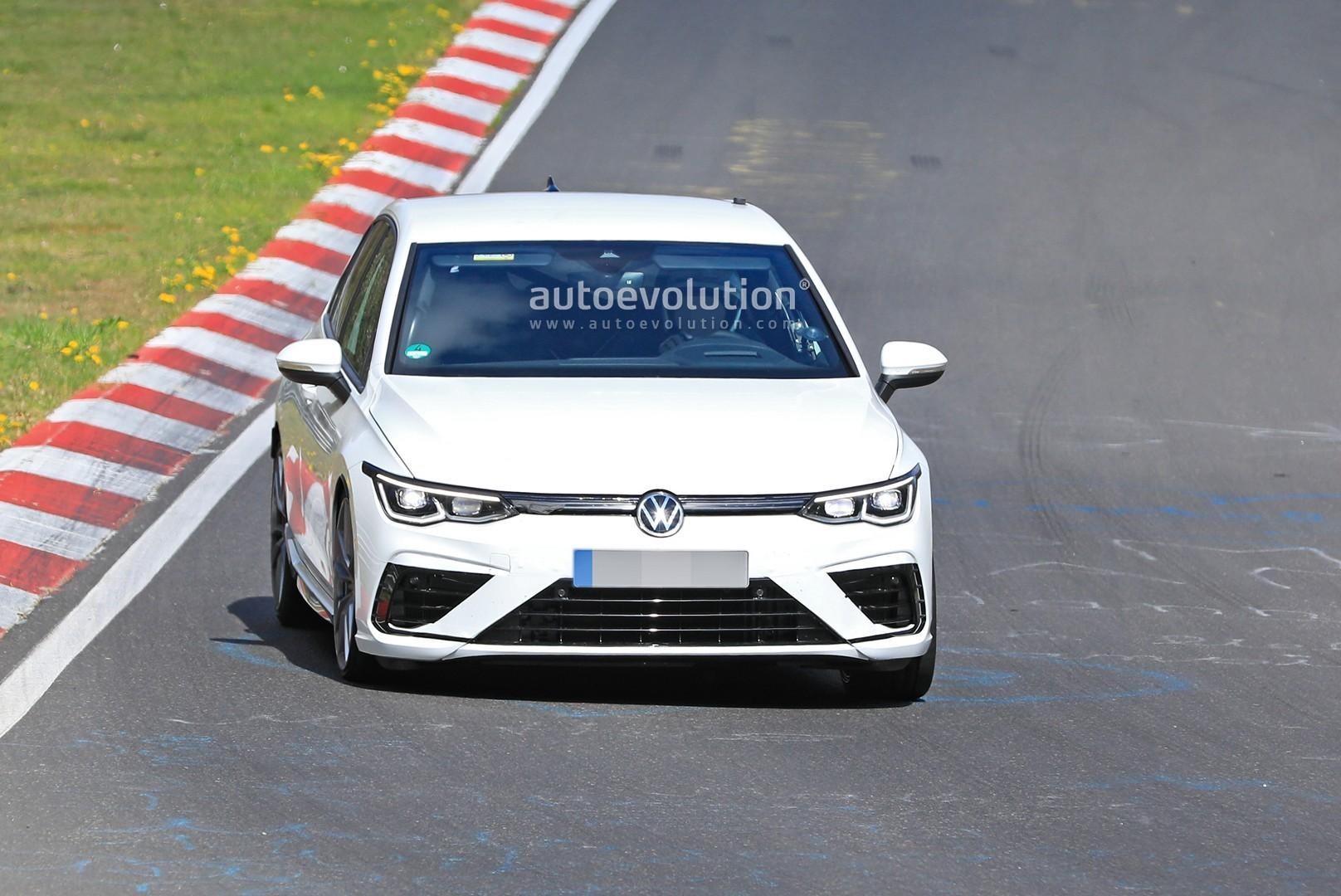 2021-volkswagen-golf-8-r-begins-nurburgr