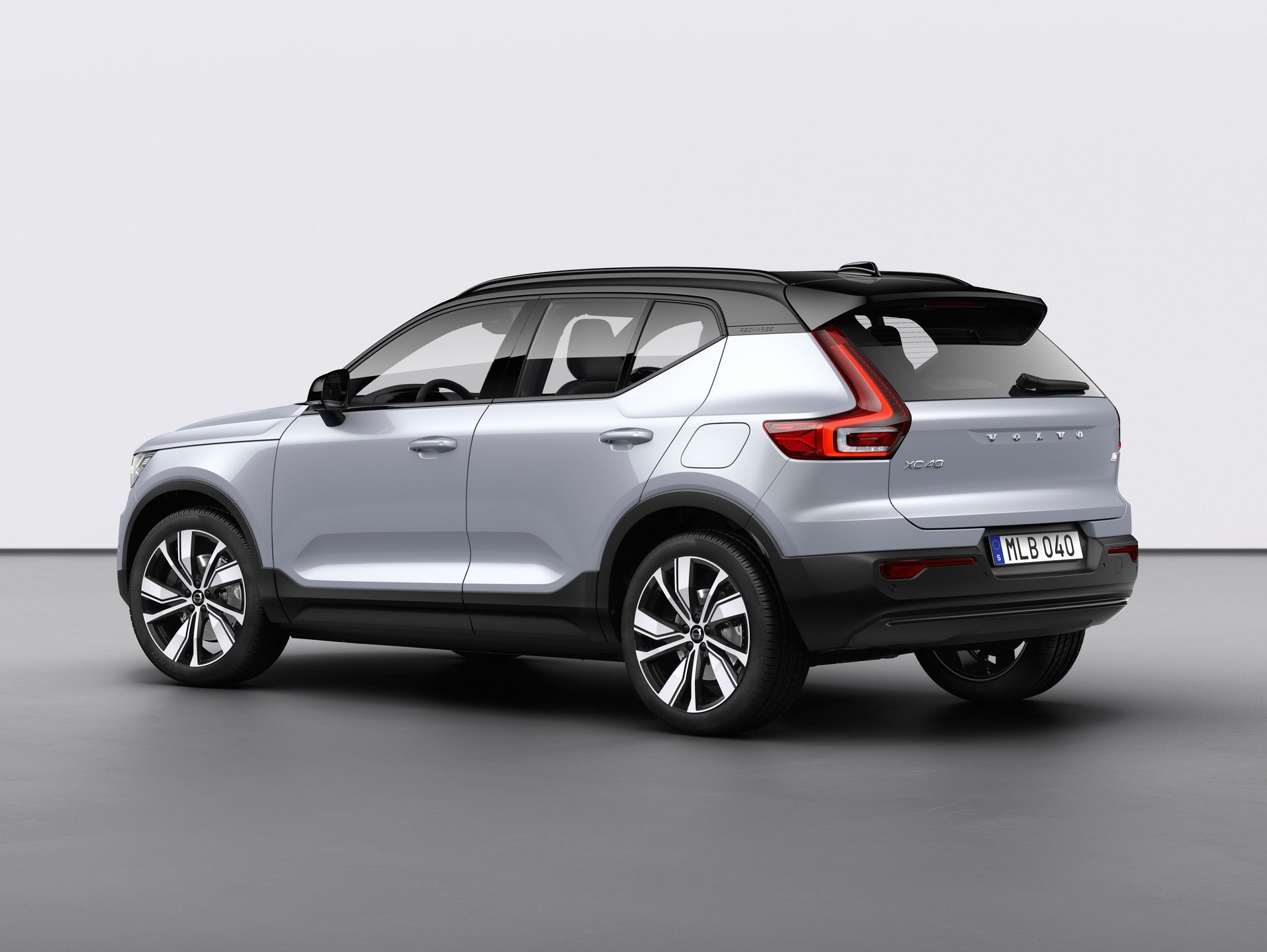 2021 volvo xc40 recharge p8 preorders are go production