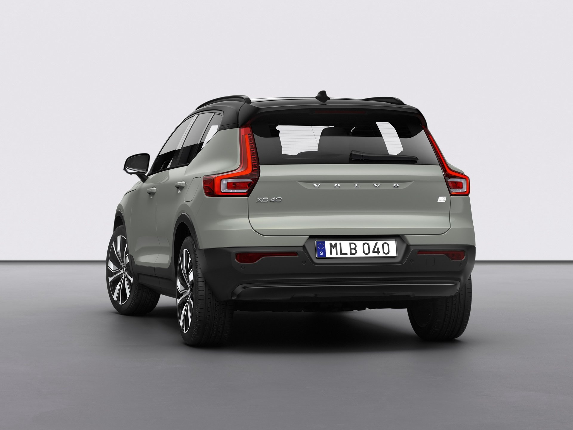 2021 volvo xc40 recharge p8 pre-orders are go, production