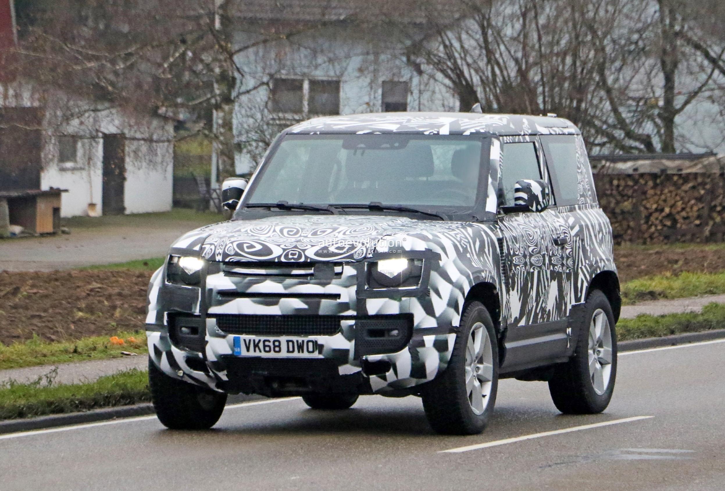 2022 Land Rover Defender V8 Spied With Short Wheelbase ...