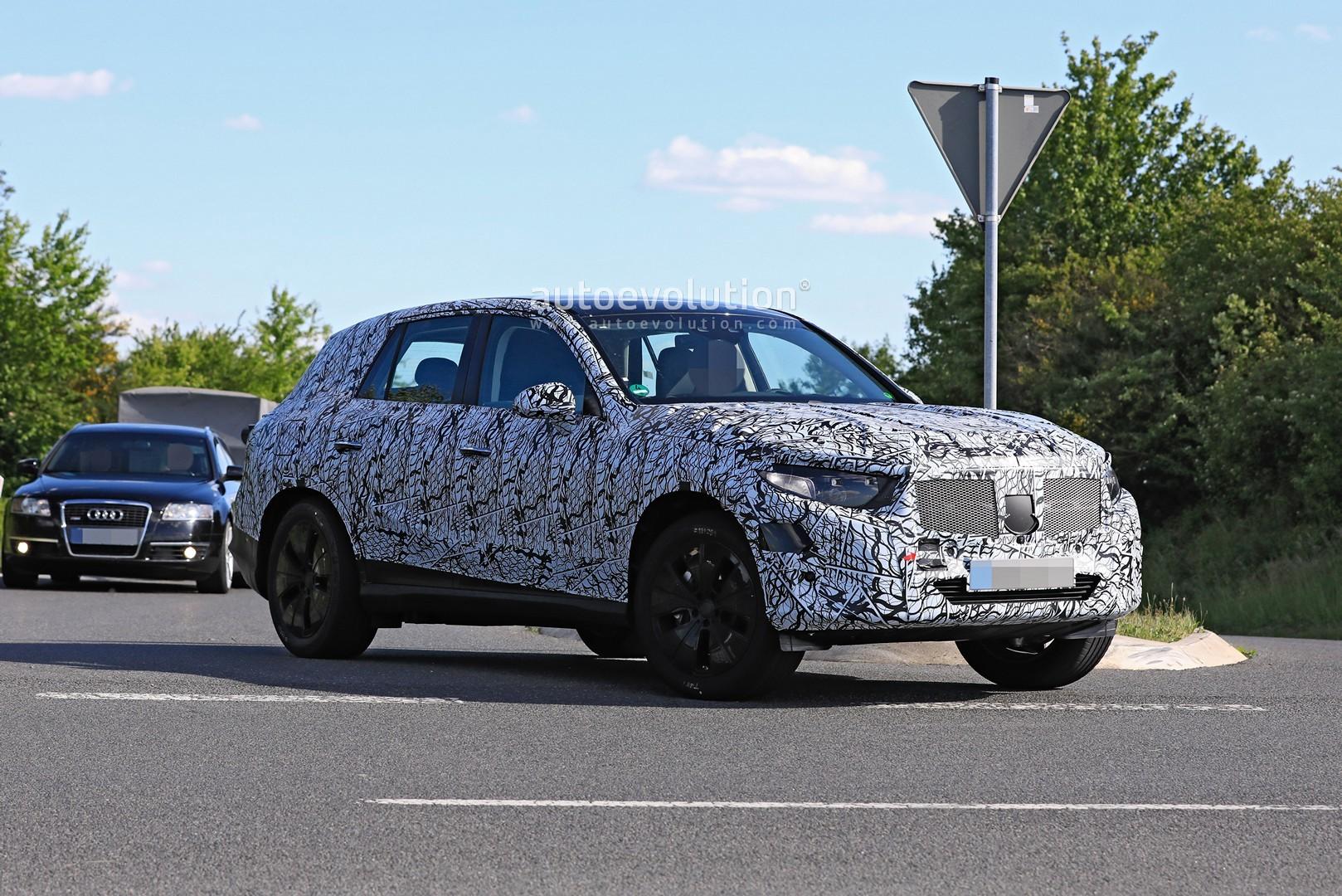 2021 - [Mercedes-Benz] GLC II 2022-mercedes-benz-glc-class-spied-up-close-looks-bigger_6