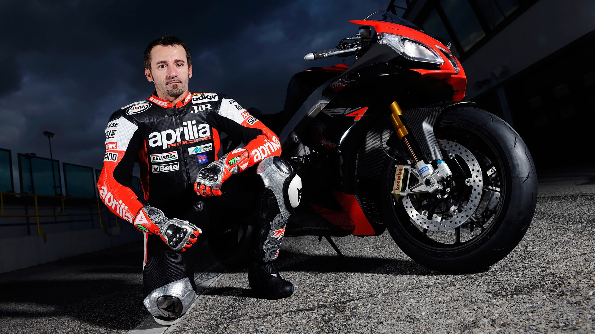 2103 MotoGP: Max Biaggi Test-Rides Ben Spies' Ducati - autoevolution