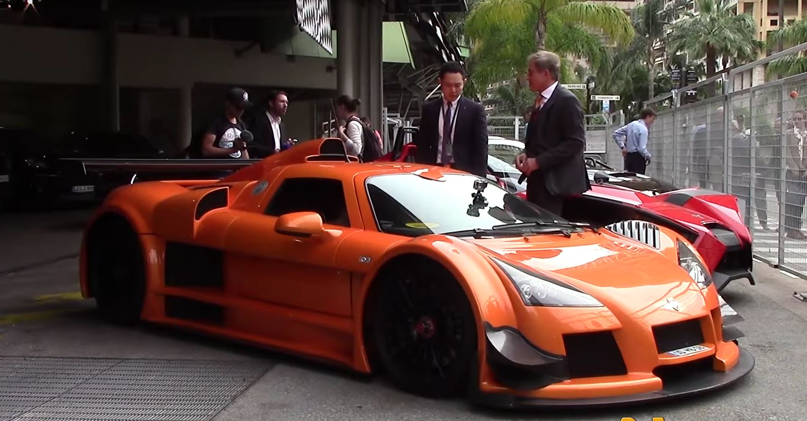 21yo blonde drives orange gumpert apollo around monaco autoevolution. Black Bedroom Furniture Sets. Home Design Ideas