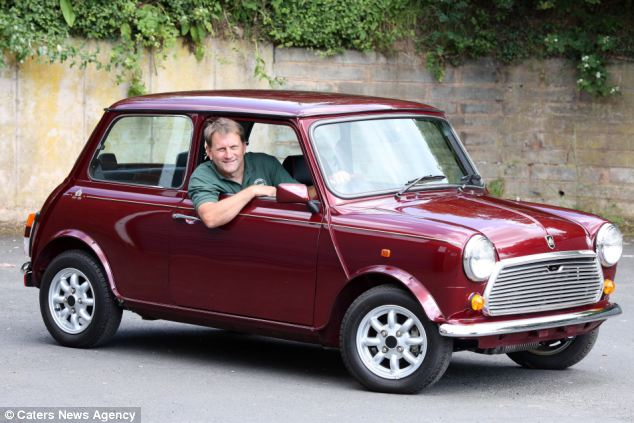 25 year old mini put up for sale because prospective owners can t fit inside autoevolution