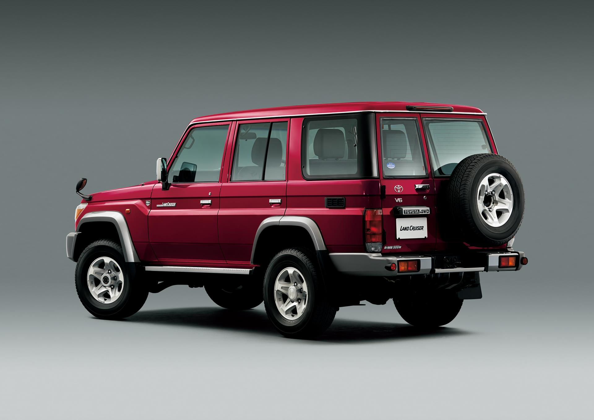 30 years of toyota land cruiser 70 celebrating with limited edition models autoevolution
