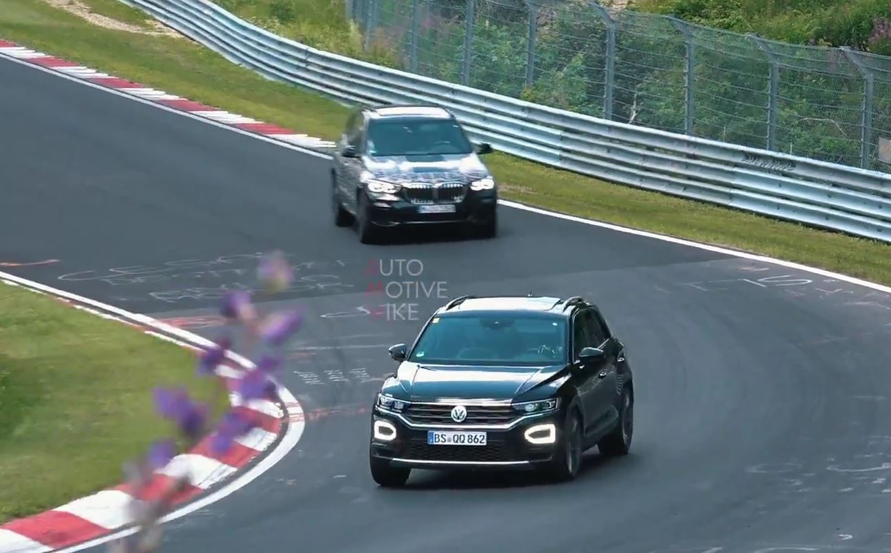 300 hp volkswagen t roc r testing hard at the nurburgring is chased by bmws autoevolution. Black Bedroom Furniture Sets. Home Design Ideas