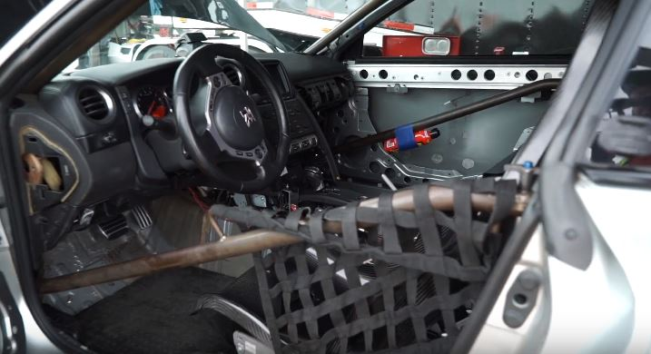 3,300 HP Nissan GT-R Sets 6.88s 1/4-Mile Record ...