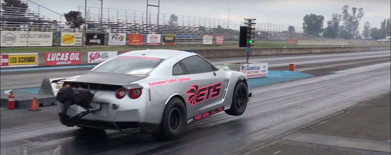 ... 3,300 HP Nissan GT-R Sets 6.88s 1/4-Mile Record ...