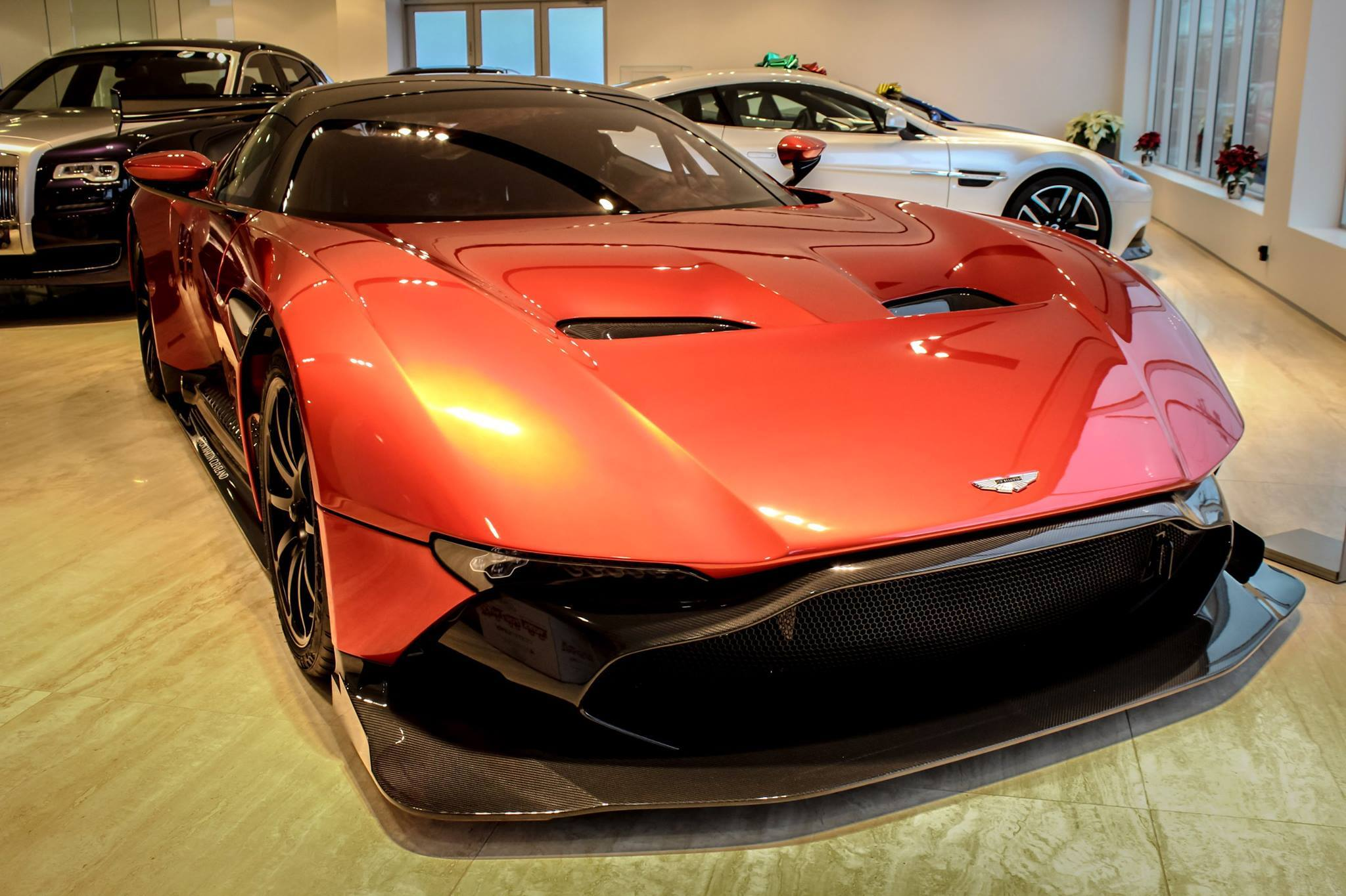 3 4 million will buy you this aston martin vulcan autoevolution. Black Bedroom Furniture Sets. Home Design Ideas