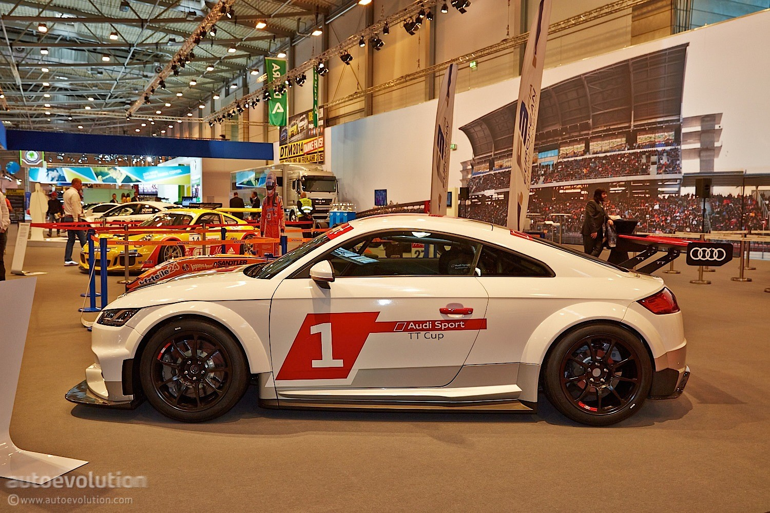 340 hp audi sport tt cup racer shows grass roots at essen 2014 live photos autoevolution. Black Bedroom Furniture Sets. Home Design Ideas