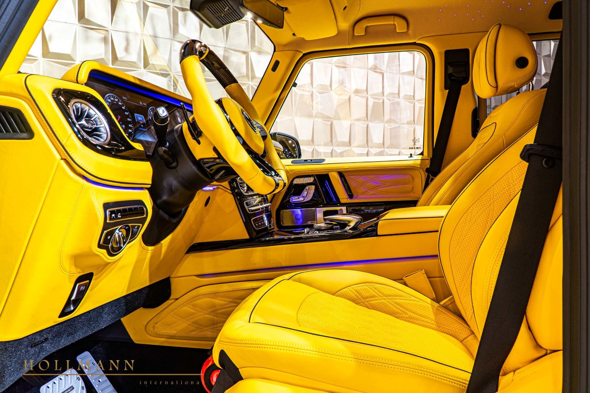 2017 - [Mercedes-Benz] Classe G II - Page 9 400000-widebody-g63-by-mansory-has-yellow-leather-interior_11