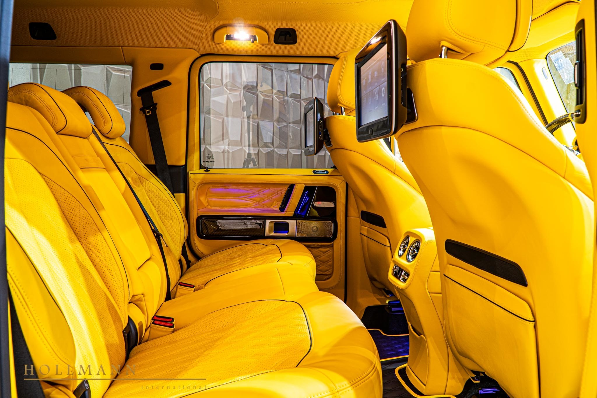2017 - [Mercedes-Benz] Classe G II - Page 9 400000-widebody-g63-by-mansory-has-yellow-leather-interior_18